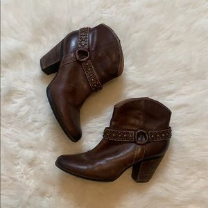 Sofft Leather Cowboy Ankle Boots Booties Size 8.5